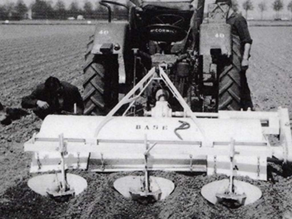 1962 | First Baselier Ridging Cultivator. Type F.