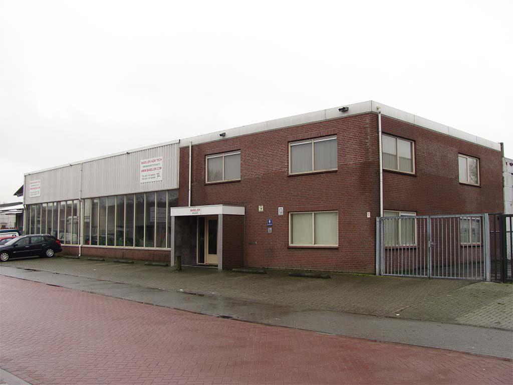1986 | Baselier übersiedelt zum Steenbergen. Piet Adriaansen übernimmt Baselier.